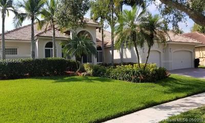 Single Family Home For Sale: 105 Dockside Cir