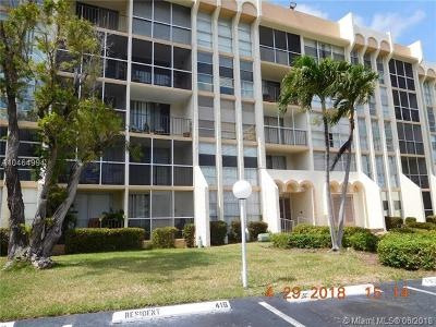 Hallandale Condo For Sale: 801 Three Islands Blvd #105