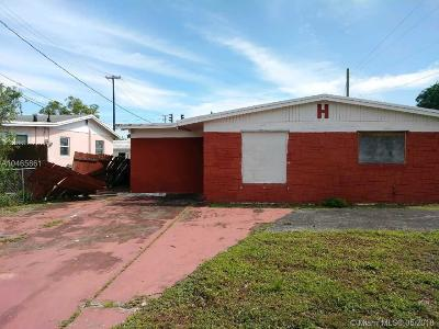 West Palm Beach FL Single Family Home For Sale: $120,000