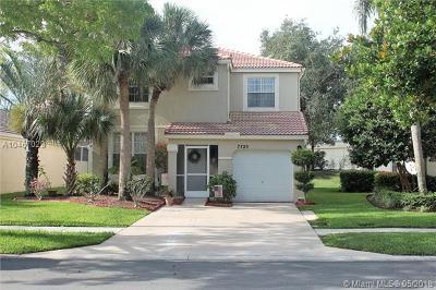 Lake Worth Single Family Home For Sale: 7720 Rockport Cir