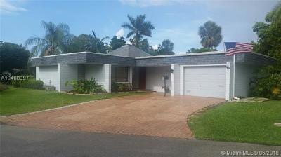 Tamarac Single Family Home For Sale: 5301 Avocado Dr