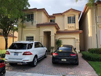 Doral Single Family Home For Sale: 11581 NW 68th Ter