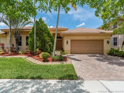 Weston Single Family Home For Sale: 1263 Skylark Dr