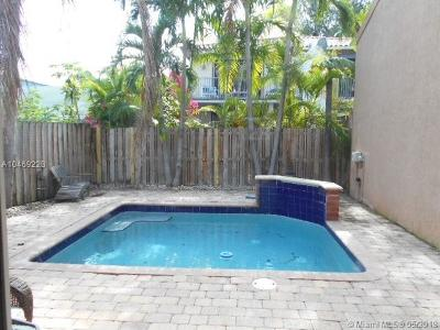 Miami Single Family Home For Sale: 3148 McDonald St