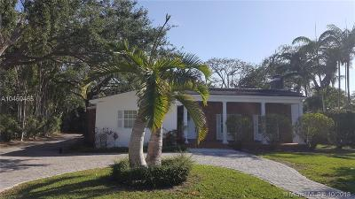 Coral Gables Single Family Home For Sale: 657 N Greenway Dr
