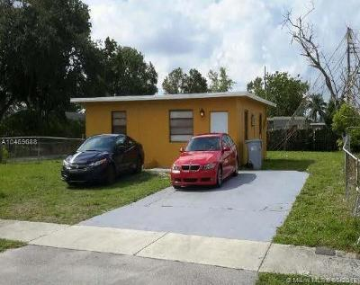 Pompano Beach Single Family Home For Sale: 2402 NW 7th St