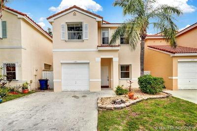 Cooper City Single Family Home For Sale: 11285 Sunview Way