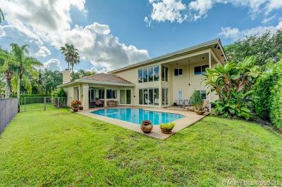 Weston Single Family Home For Sale: 1083 Deerwood Ln