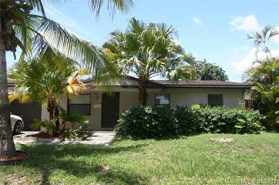North Lauderdale Single Family Home For Sale: 332 SW 80th Ter