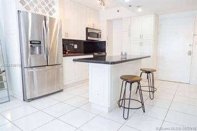 Miami Beach Condo For Sale: 100 Lincoln Rd #643