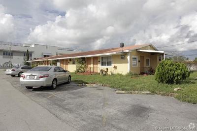 Hollywood Multi Family Home For Sale: 2649 Van Buren St