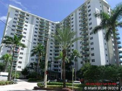 Hollywood Condo For Sale: 3001 S Ocean Dr #243