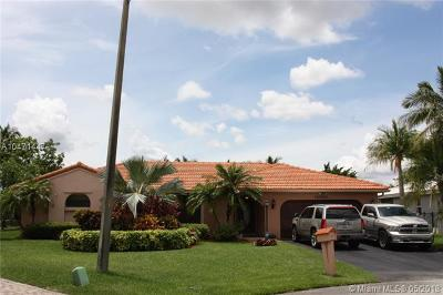 Davie Single Family Home For Sale: 15510 S Roundtable Rd