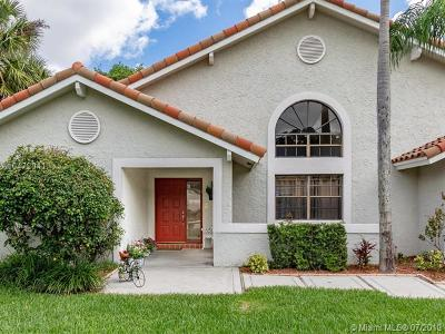 Davie Single Family Home For Sale: 3044 Perriwinkle Cir