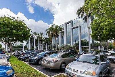 North Miami Beach Single Family Home For Sale: 16853 NE 2 Av S301