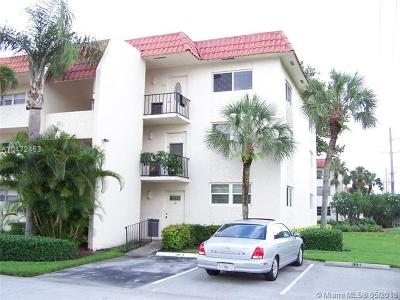 Pembroke Pines Condo For Sale: 8960 S Hollybrook Blvd #201