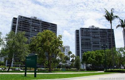 Aventura Condo For Sale: 3701 N Country Club Dr #807