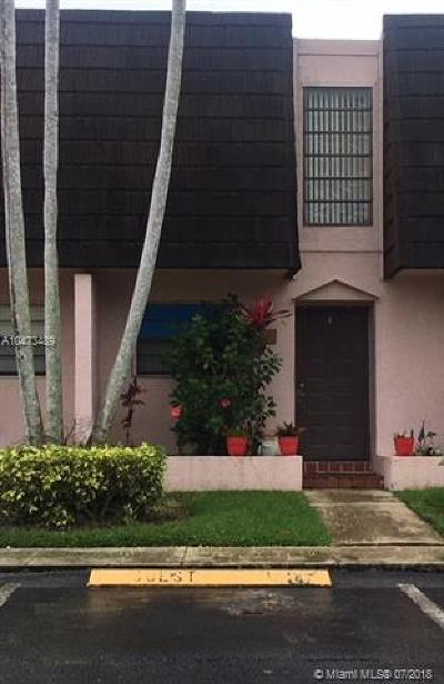 Pembroke Pines Condo For Sale: 1558 NW 89 Ter #1558