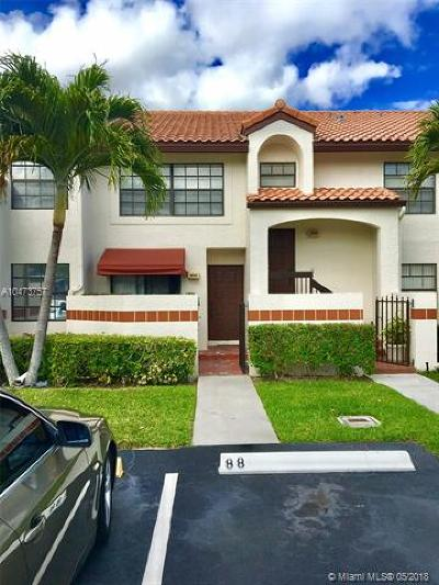 Deerfield Beach Condo For Sale: 303 Lincoln Ct #303