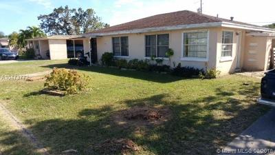 Miami Single Family Home For Sale: 910 NW 138th St