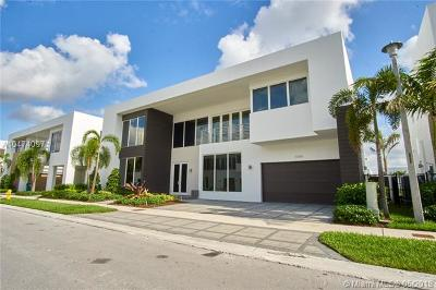 Miami Single Family Home For Sale: 10285 NW 74th Ter