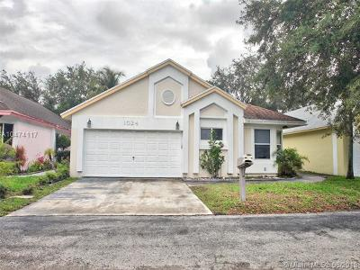 North Lauderdale Single Family Home For Sale: 1024 W Jasmine Ln