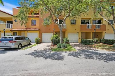 Aventura Condo For Sale: 21382 Marina Cove Cir #13-D