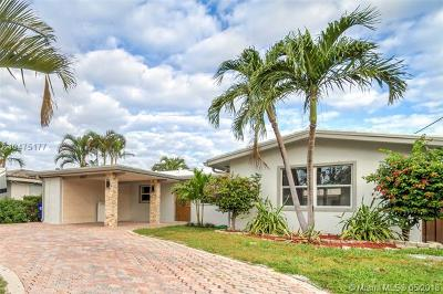 Pompano Beach Single Family Home For Sale: 2617 SE 14th St