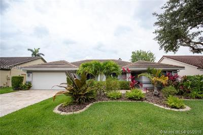 Davie Single Family Home For Sale: 2881 Hidden Hollow Ln
