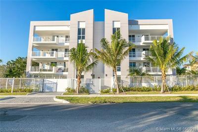 Deerfield Beach Condo For Sale: 51 SE 19 Ave #401