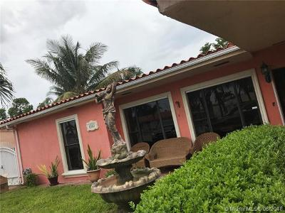 Hialeah Single Family Home For Sale: 6560 W 12th Ct