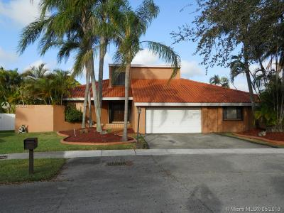 Miami Single Family Home For Sale: 10305 SW 114th Ct