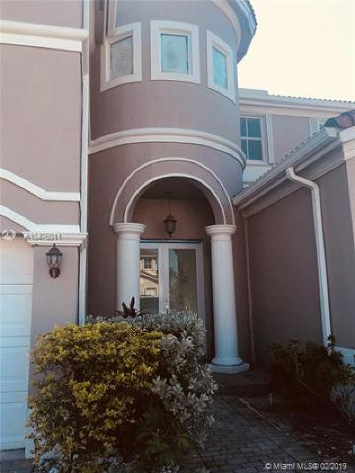 Hialeah Single Family Home For Sale: 17971 NW 87 Ct