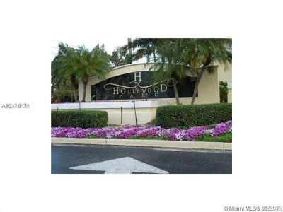 Hollywood FL Condo For Sale: $163,000