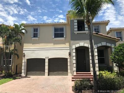 Aventura Single Family Home For Sale: 21220 NE 32nd Pl