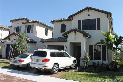 Hialeah Single Family Home For Sale: 9767 W 34th Ln