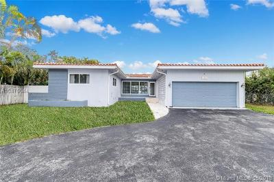 North Miami Single Family Home For Sale: 11670 Canal Dr
