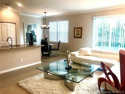 Haverhill Single Family Home For Sale: 821 Palm Tree Ln