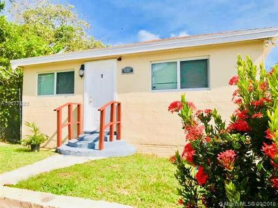 West Palm Beach FL Multi Family Home For Sale: $249,000