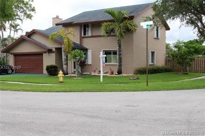 Cooper City Single Family Home For Sale: 4851 SW 103rd Ave
