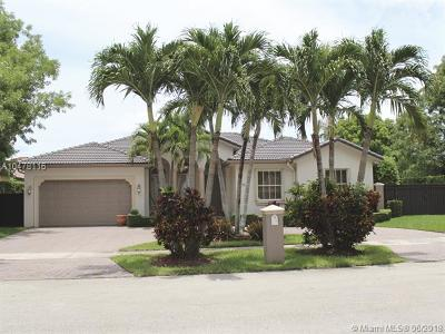Miami Single Family Home For Sale: 2023 SW 143rd Pl