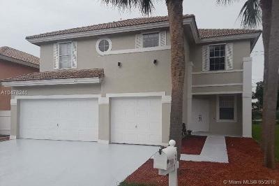 Boynton Beach Single Family Home For Sale: 25 Valencia Dr