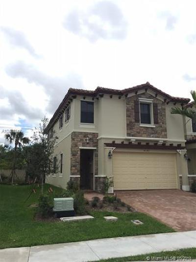 Coconut Creek Condo For Sale: 4040 Devenshire Ct #4040