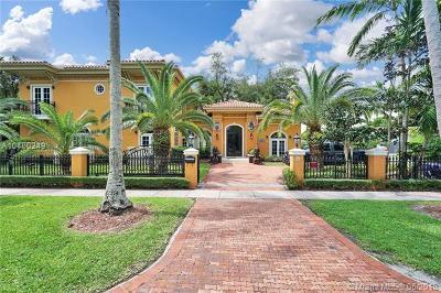 Coral Gables Single Family Home For Sale: 1224 Almeria Ave