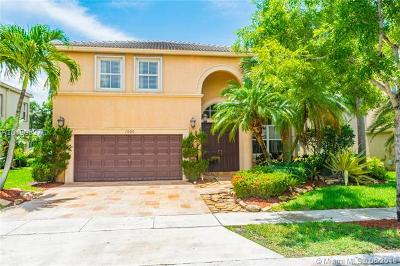 Pembroke Pines Single Family Home For Sale: 1500 SW 171st Ter