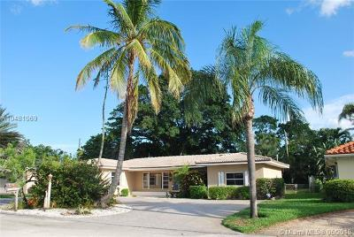 Palm Beach Shores Single Family Home For Sale: 324 Bamboo Road