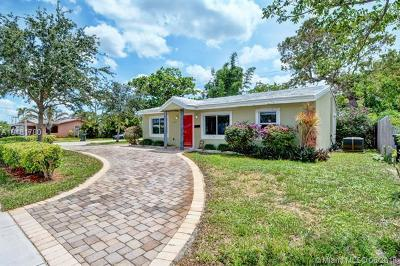 Oakland Park Single Family Home For Sale: 4617 N Andrews Ave