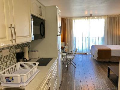 Sunny Isles Beach Condo For Sale: 19201 Collins Ave #333