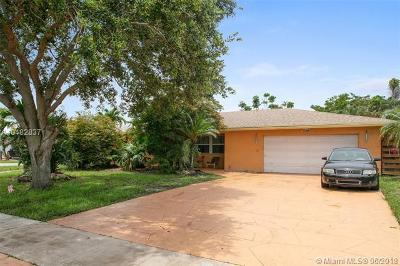 Deerfield Beach Single Family Home For Sale: 1379 SE 3rd Ter