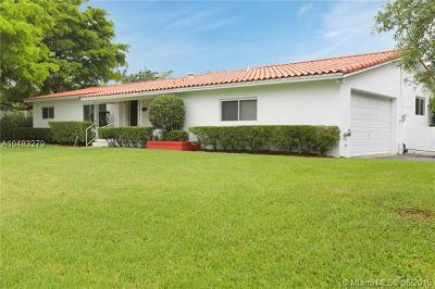 Pinecrest Single Family Home For Sale: 5800 SW 100th St